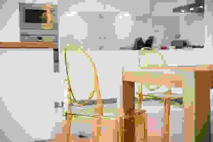Uma cozinha com vista Cozinhas modernas por Architect Your Home Moderno
