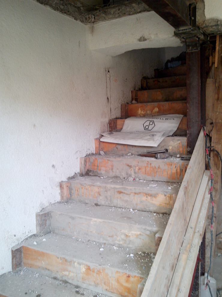 Vivienda Cuautitlan Izcalli Pasillos, vestíbulos y escaleras modernos de Taller Esencia Moderno