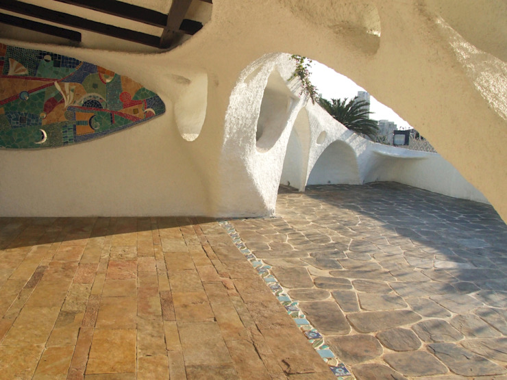 Jardines de estilo  por The White Room, Mediterráneo Concreto