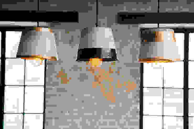 Living room by дизайн-студия промышленного дизайнера Анны Струпинской