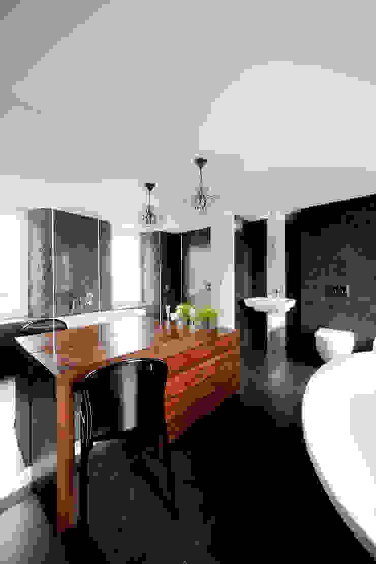 Dom jednorodzinny pod Poznaniem. Nowoczesna łazienka od wnętrzarki Nowoczesny