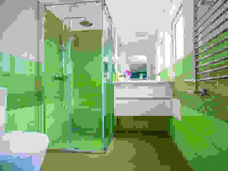 A casa de banho Acqua e Herbal Casas de banho modernas por Architect Your Home Moderno