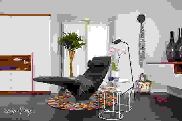 Chaise Lounge: scandinavian  by Savio and Rupa Interior Concepts ,Scandinavian