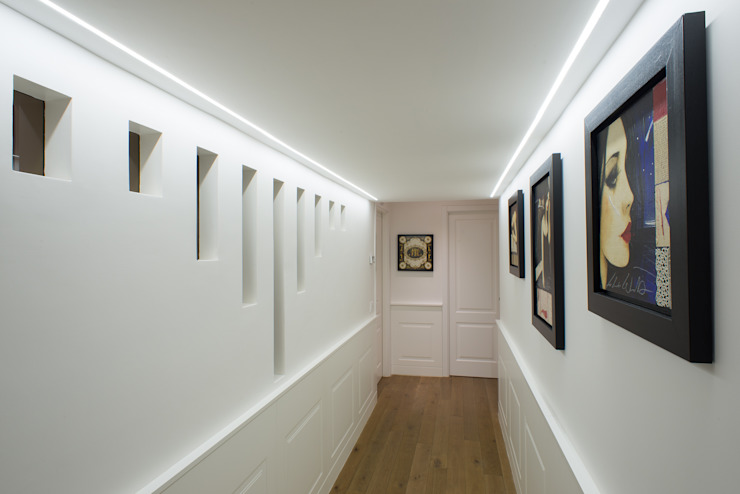 Classic corridor, hallway & stairs by homify Classic