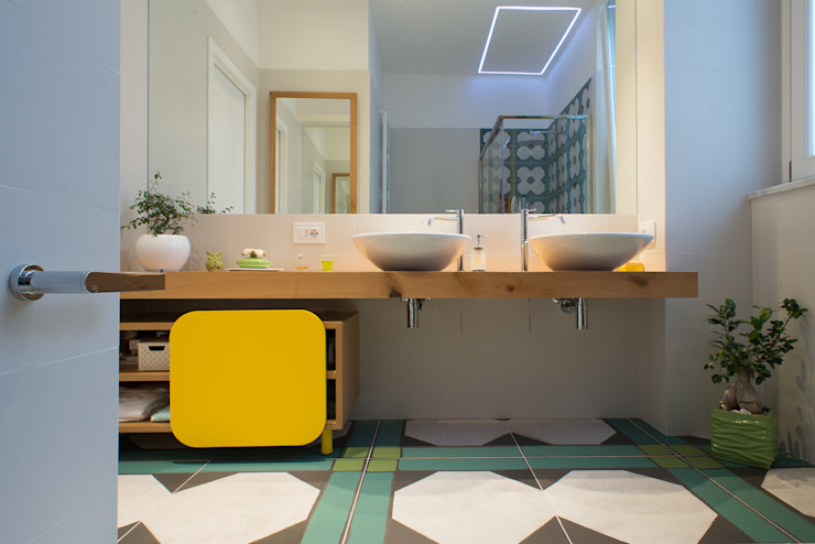 Bathroom by ZETAE Studio,