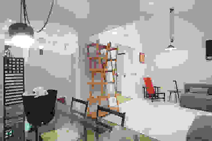 غرفة المعيشة تنفيذ ZETAE Studio,