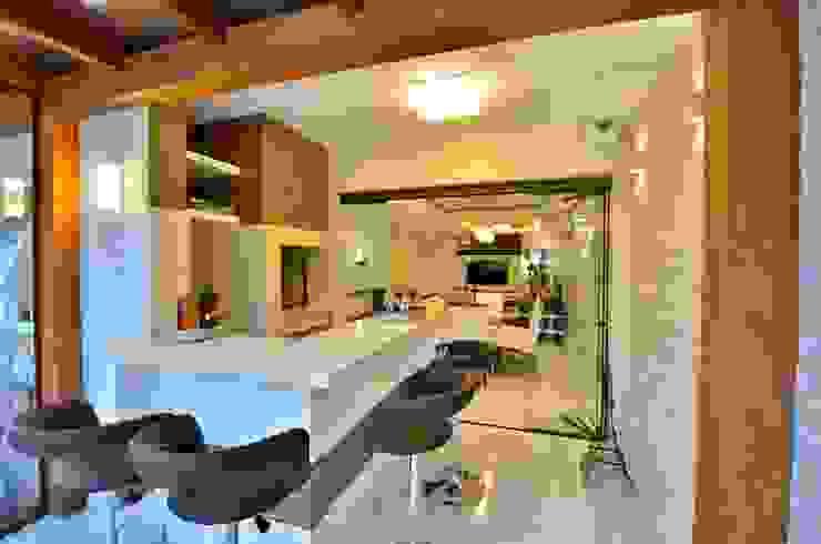 Rustic style bathrooms by Graça Brenner Arquitetura e Interiores Rustic Ceramic