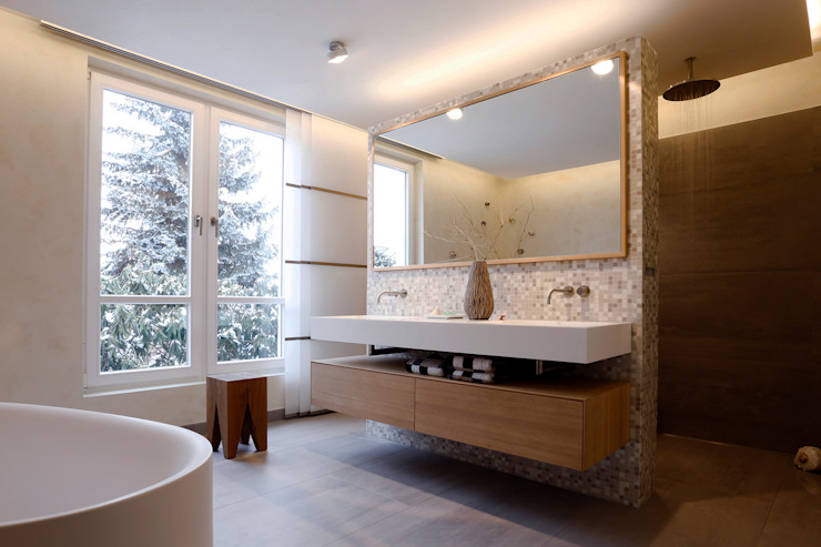 Modern bathroom by Tuba Design Modern سرامک