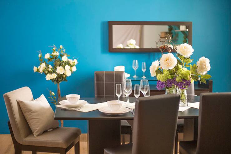 Dining room by Idea Interior,
