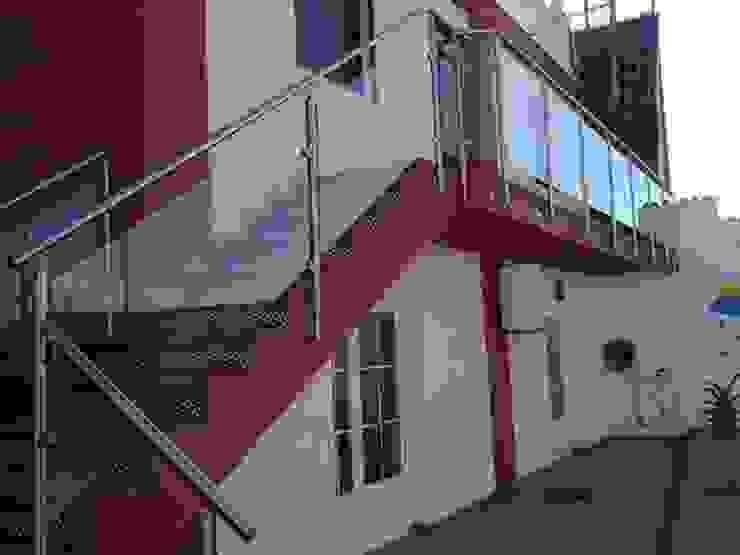 modern  von POSAINOX, CA, Modern