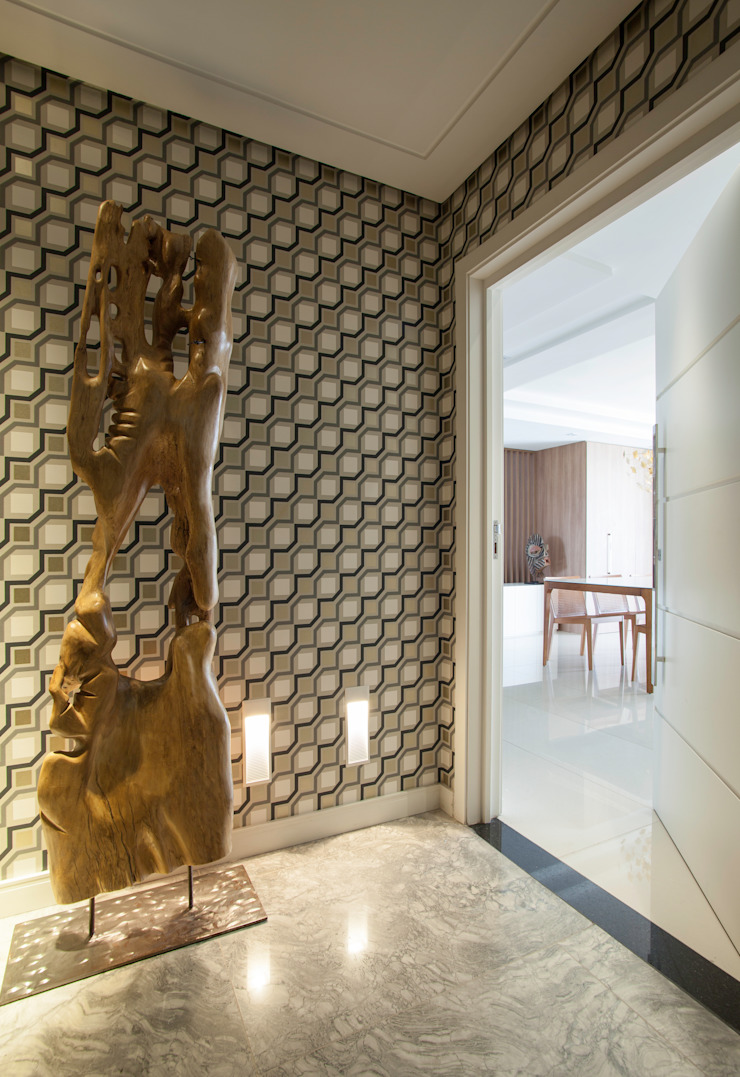 Johnny Thomsen Arquitetura e Design Eclectic style corridor, hallway & stairs Marble Amber/Gold