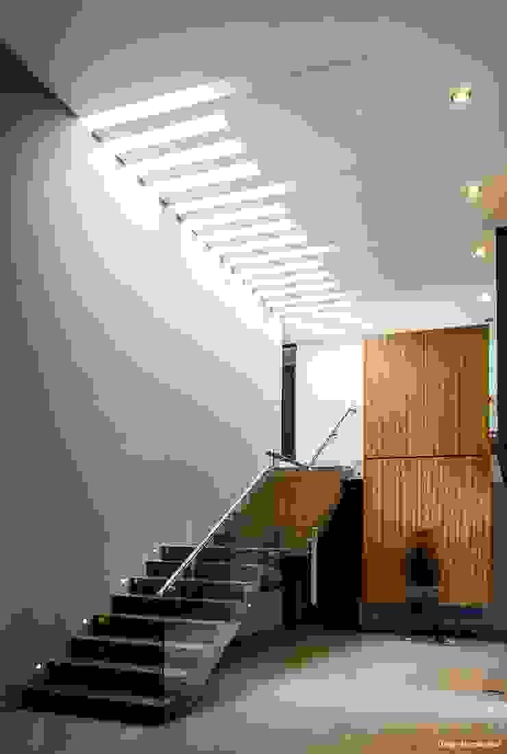 casaMEZQUITE Pasillos, vestíbulos y escaleras modernos de BAG arquitectura Moderno Madera Acabado en madera