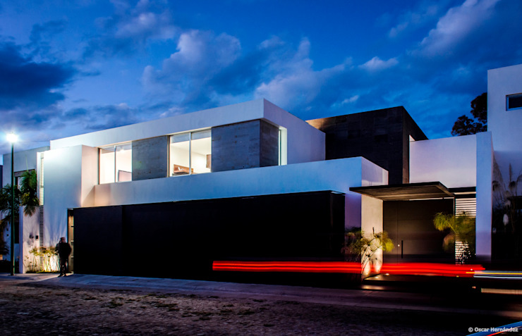 Modern houses by BAG arquitectura Modern Iron/Steel