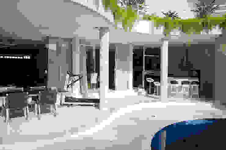 Residência SSC Varandas, alpendres e terraços modernos por A/ZERO Arquitetura Moderno