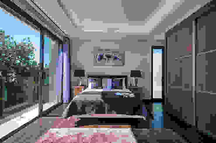 Frontera Bedroom:   por Frontera Furniture Algarve ,Moderno