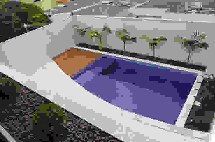 A/ZERO Arquitetura Piscinas de estilo moderno