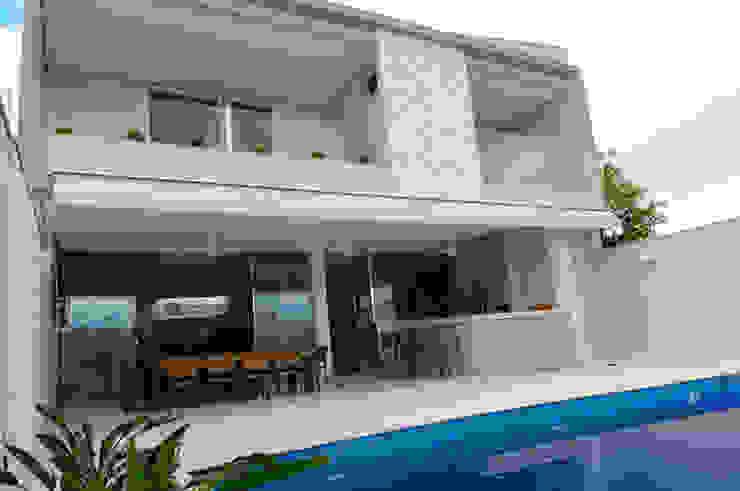 A/ZERO Arquitetura Balcones y terrazas modernos