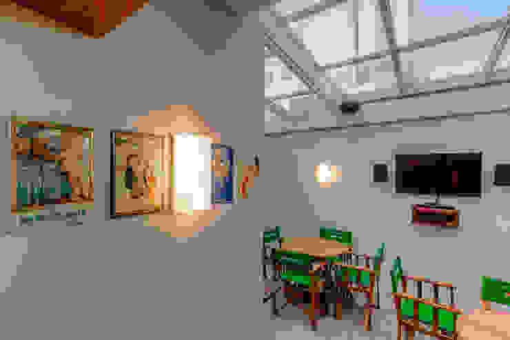 Balcone, Veranda & Terrazza in stile moderno di VL Arquitetura e Interiores Moderno