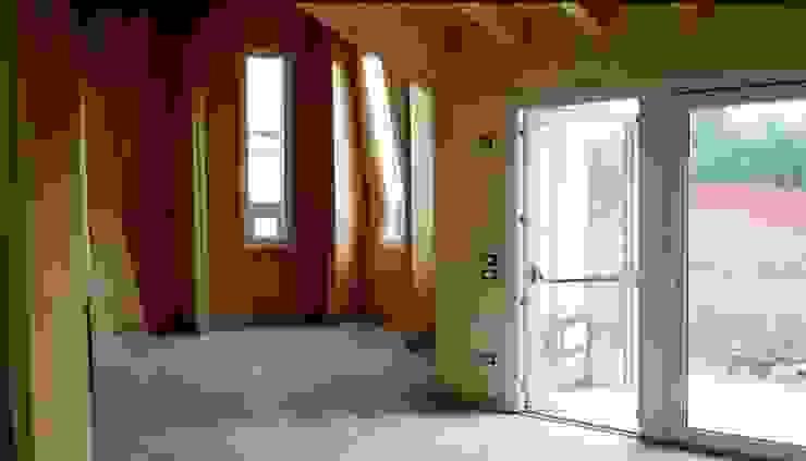 Edificio realizzato con sistema costruttivo X Lam: foto interna WoodLab Case moderne Legno