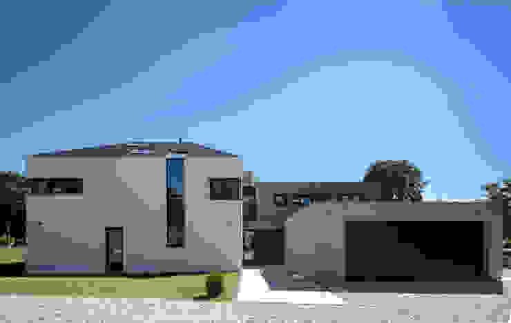 Casas  por Schiller Architektur BDA, Moderno