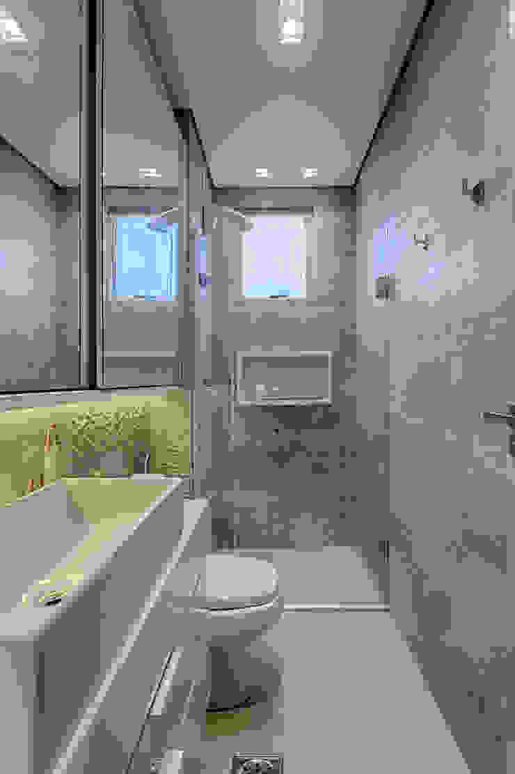 Rustic style bathroom by Flaviane Pereira Rustic Concrete