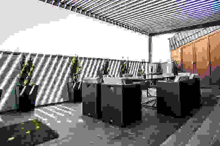 Ático Duplex, Reforma integral Balcones y terrazas de estilo moderno de Molina Decoración Moderno