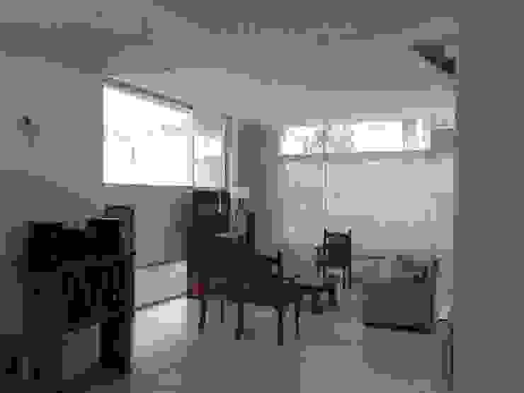 Salones de estilo  de Arq Andrea Mei   - C O M E I -, Moderno