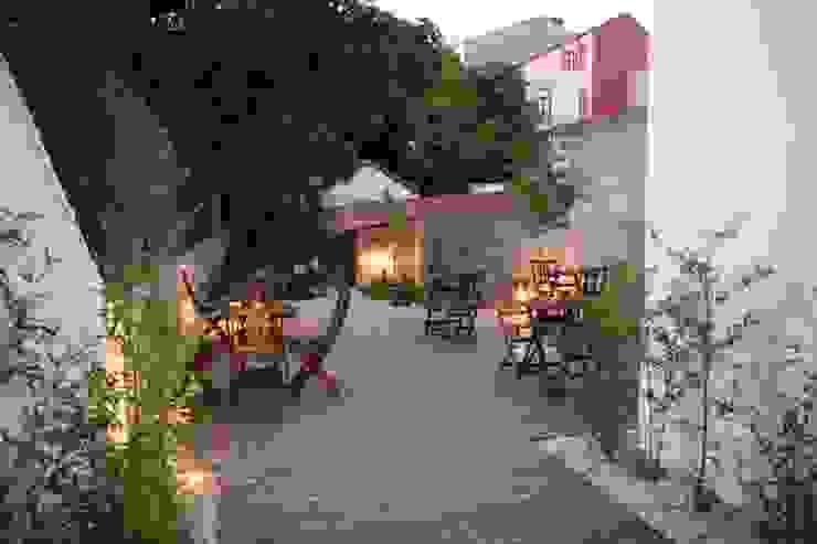 CASINHA BOUTIQUE CAFÉ I PORTO Espaços de restauração modernos por Habitat Arquitectura Paisagista Moderno