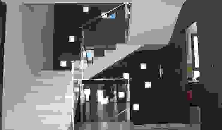 TRADITION Pasillos, vestíbulos y escaleras de estilo moderno de DYOV STUDIO Arquitectura. Concepto Passivhaus Mediterráneo. 653773806 Moderno Hormigón
