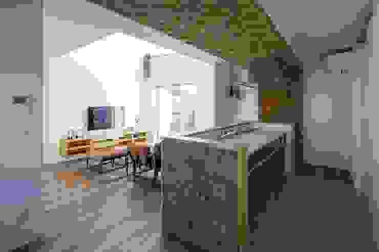 Kitchen by LITTLE NEST WORKS,