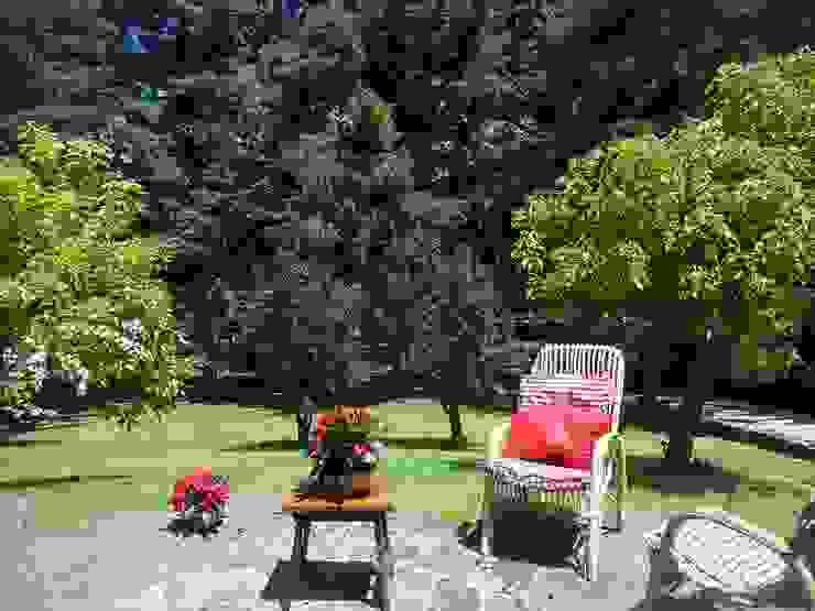 villa prestigiosa con parco immobiliare sublacense Balcone, Veranda & TerrazzoPiante & Fiori