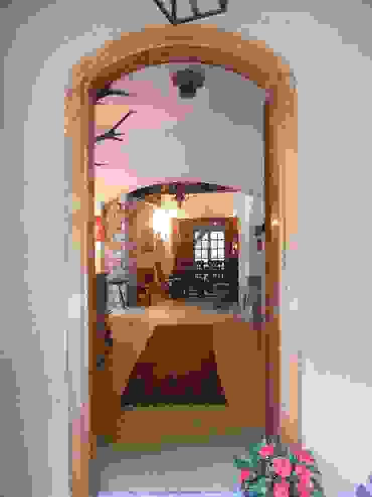 immobiliare sublacense Vestíbulos, pasillos y escalerasAccesorios y decoración