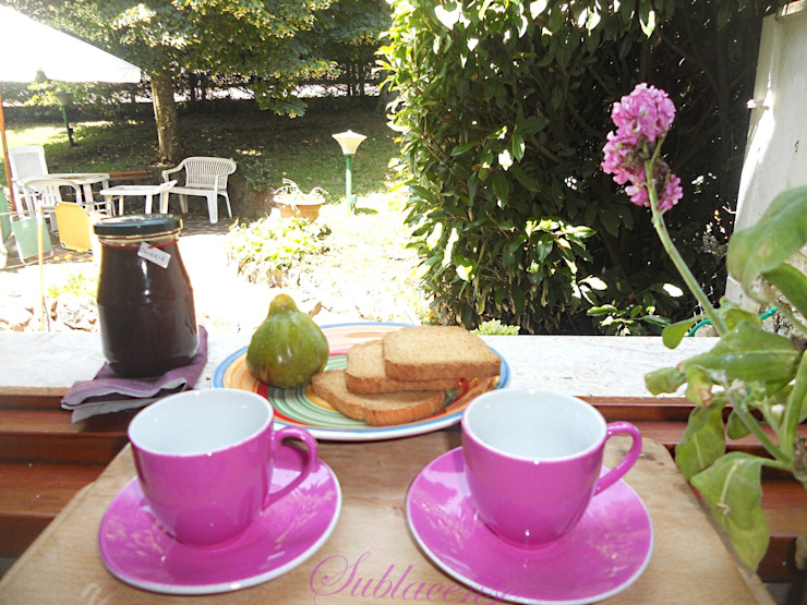 immobiliare sublacense KitchenCutlery, crockery & glassware Pink