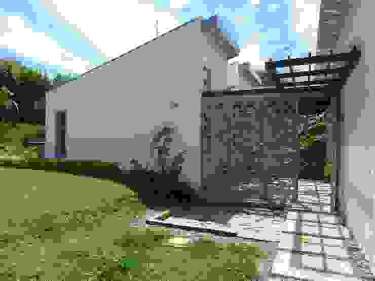 Casas modernas: Ideas, imágenes y decoración de interior137 arquitectos Moderno