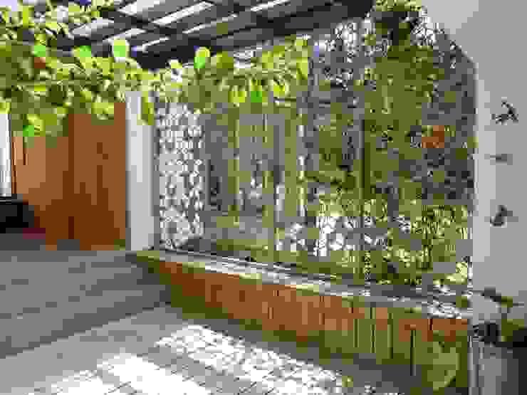 Modern garden by interior137 arquitectos Modern