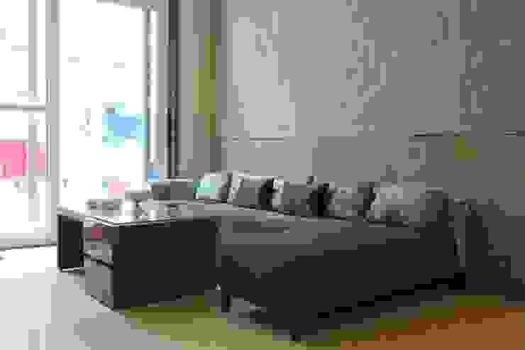 Mehra's Residence Modern living room by Studio Ezube Modern