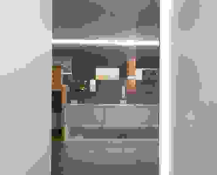 Grey-t Nowoczesny korytarz, przedpokój i schody od t design Nowoczesny Beton