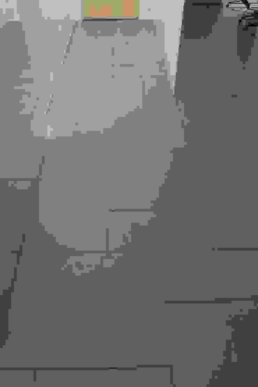 Grey-t Nowoczesne ściany i podłogi od t design Nowoczesny Beton