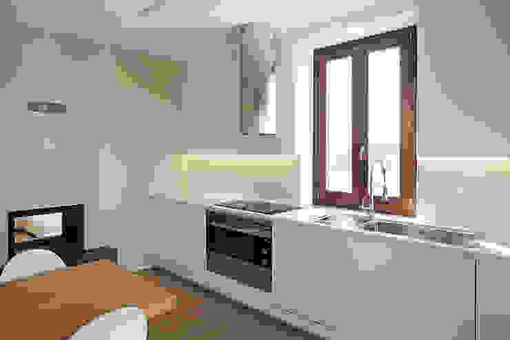 現代廚房設計點子、靈感&圖片 根據 Luca Mancini | Architetto 現代風