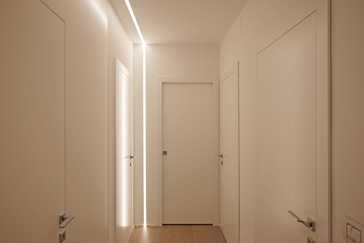 Modern Corridor, Hallway and Staircase by Luca Mancini | Architetto Modern