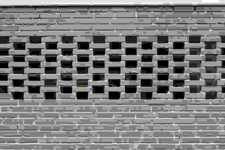 Diepengaerde Valkenburg Lb Moderne garage van DI-vers architecten - BNA Modern Steen