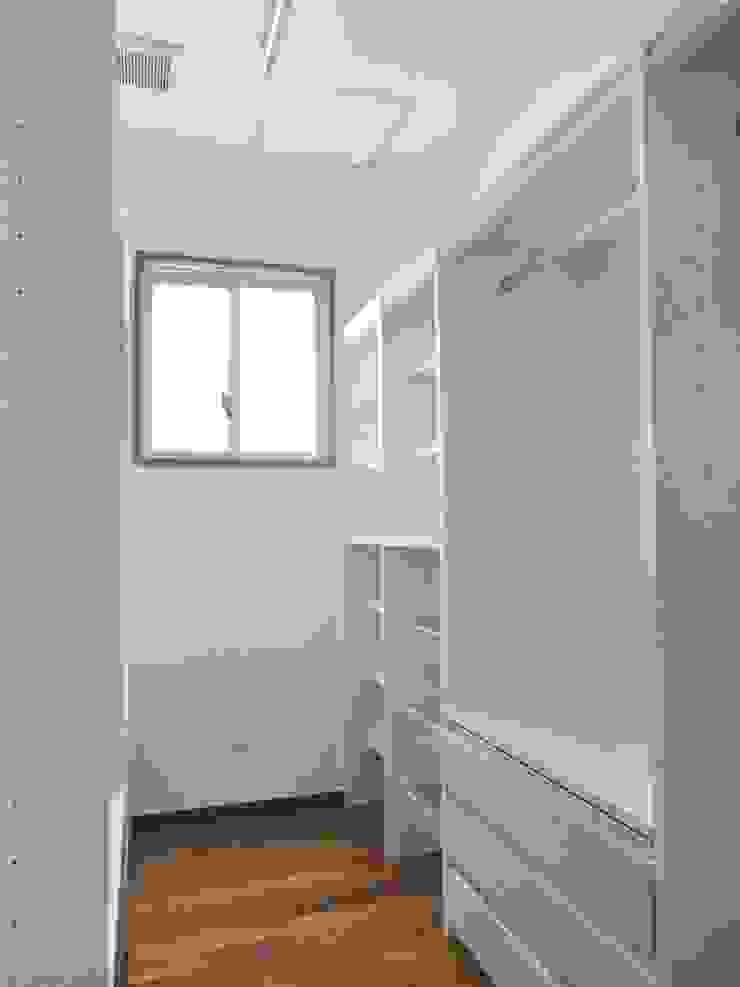 現代  by (株)スペースデザイン設計(一級建築士事務所), 現代風