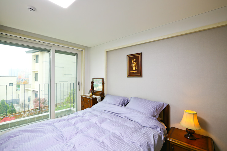 양면의 얼굴을 가진 전원주택 [경기도 수원 이목동] 모던스타일 침실 by 한글주택(주) 모던