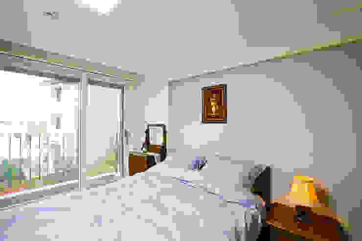 Bedroom by 한글주택(주), Modern
