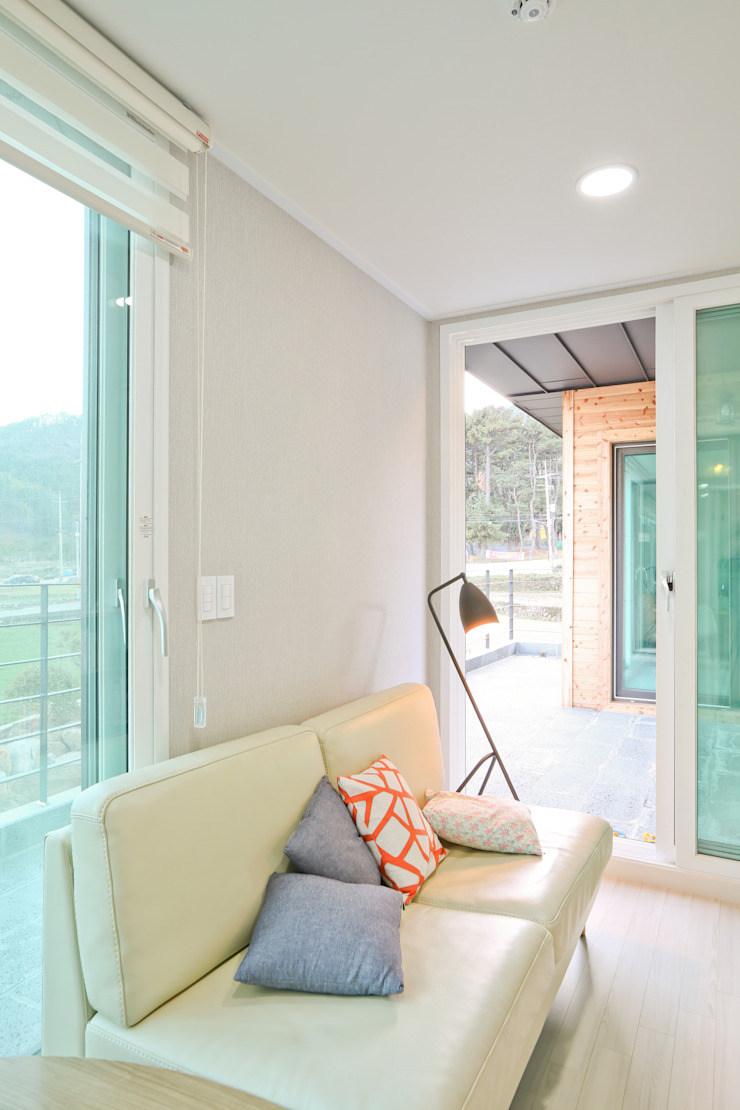 Moderne Wohnzimmer von 한글주택(주) Modern