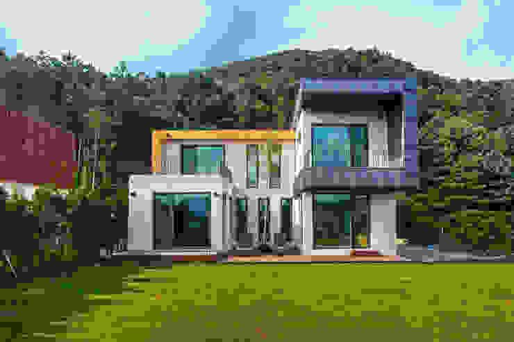 Дома в стиле модерн от 한글주택(주) Модерн