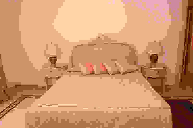 Tania Mariani Architecture & Interiors BedroomBeds & headboards Tekstil Pink