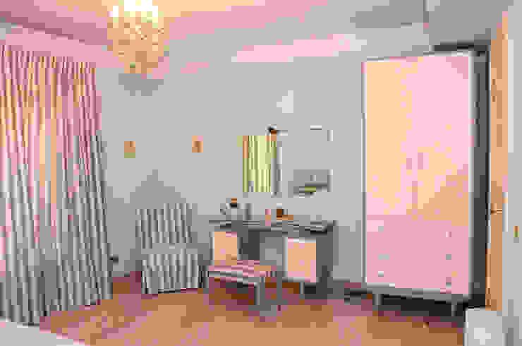Tania Mariani Architecture & Interiors BedroomWardrobes & closets Kayu Grey