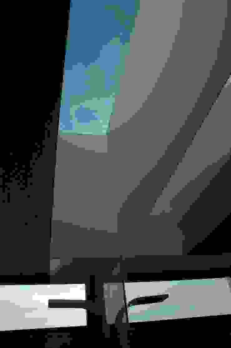 Casa AF Casas de banho minimalistas por BLK-Porto Arquitectura Minimalista