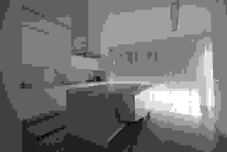 Casa MR: Cozinhas  por BLK-Porto Arquitectura,Minimalista